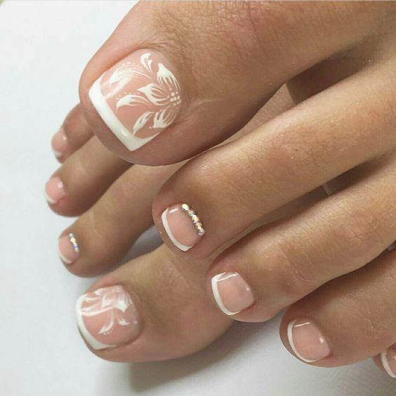 24 Cute French Tips Nail Design French Tip Nail Designs Toe Nail Designs Toe Nails