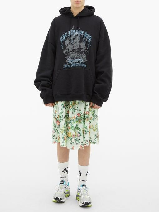 From Matchesfashion Com S Closet Vetements Printed Hooded Sweatshirt Hooded Sweatshirts Hoodies