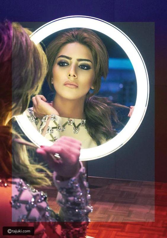 تسريحات هيا عبد السلام ممثلة ومخرجة من أصل كويتي مواليد الكويت Crown Jewelry Crown Fashion