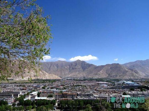 Aussicht vom Potala-Palast auf die Stadt Lhasa, Tibet