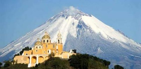 La Iglesia de los Remedios,  Popocatepetl, México
