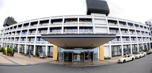 Der Skandal um manipulierte Organspenden weitet sich aus. Nach Informationen des SPIEGEL ist es am Transplantationszentrum Göttingen in mindestens 60 statt 11 Fällen zu Unregelmäßigkeiten gekommen.