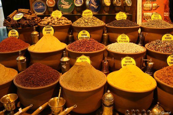 Mısır Çarşısı - Eminönü   Spice Bazaar - Istanbul