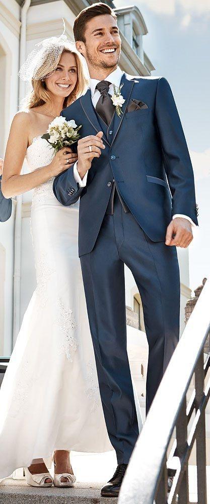 Hochzeitsanzug Mika von Wilvorst, in einem dunkelblauen Couture ...