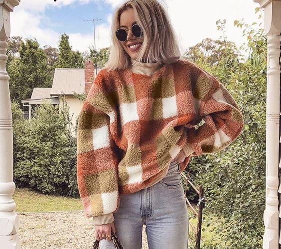brown plaid checkered fluffy sweater | 20 cute fall outfit ideas 2020 | soyvirgo.com