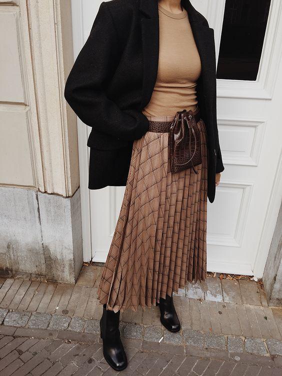 Plaid Pleated Midi Skirt — MODEDAMOUR