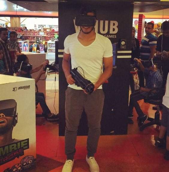 An awesome Virtual Reality pic! Amazing feelling #virtualreality try it  by mohamedhassanofficial check us out: http://bit.ly/1KyLetq