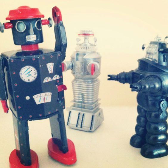 Robots Argue  (photo Micha Riss)