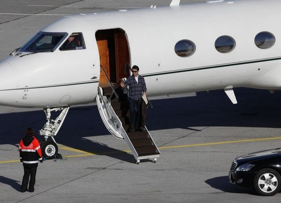 Tom Cruise and his Gulfstream IV-SP