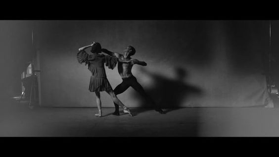 An atmospheric look at the pre-show movements of the New York City Ballet dancers. Directed by Stephen Kidd and Peter Lindbergh, the film is set to original music by composer Guillame Gesquiere. Read more on NOWNESS - http://bit.ly/2asDf2T