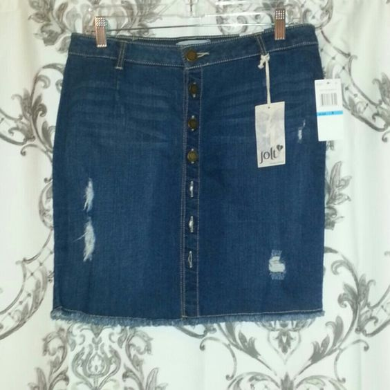 Button down denim skirt Brand new with tags. Jolt Skirts Midi