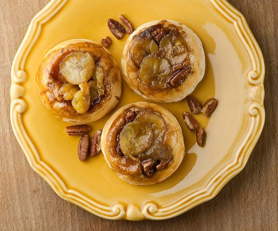 I think you need to make quick banana sticky buns this weekend, don't you?  Me too.