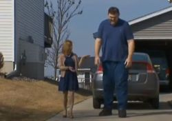 People are Awesome: Hundreds Donate to Buy America's Tallest Man Some Shoes