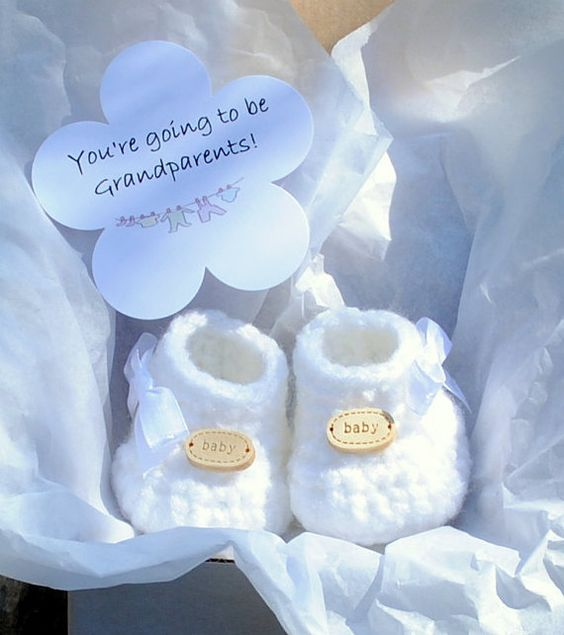 What a lovely way to let your family and friends know that there is a precious little bundle of joy on the way.  A cute pair of miniature