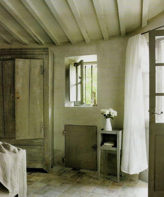 Cote+Sud%2C+Juin-Juillet+2007%2C+bed%2C+bath+001.jpg 1332×1600 pixels
