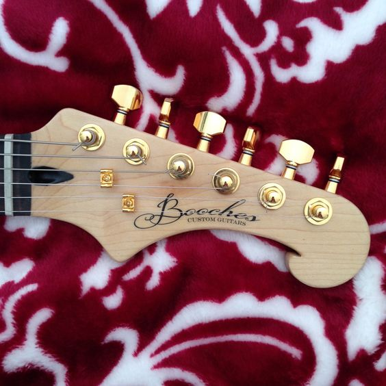 Booches Custom Guitars neck