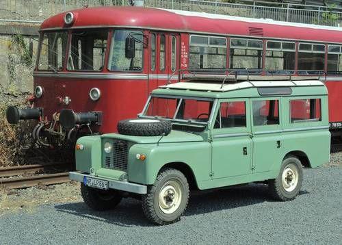 // Land Rover SIIA 109 Station Wagon (1965)