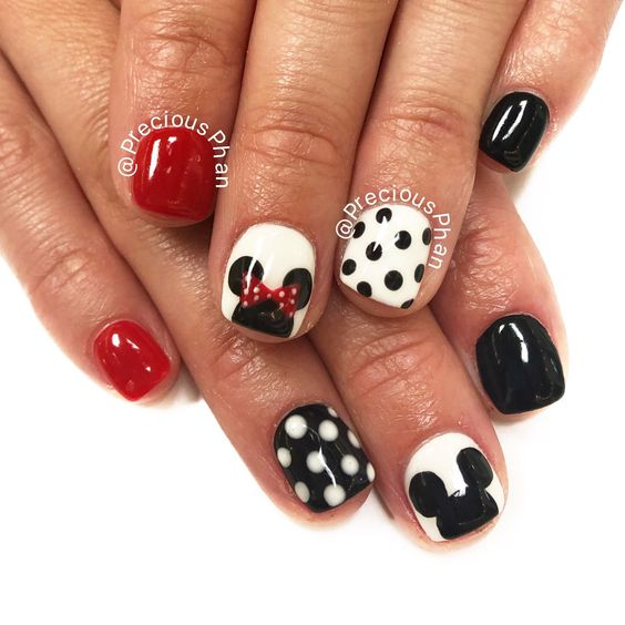 Disney nails. Mickey Mouse. Minnie Mouse nails. Red white and black nails. Polka dots. #PreciousPhan