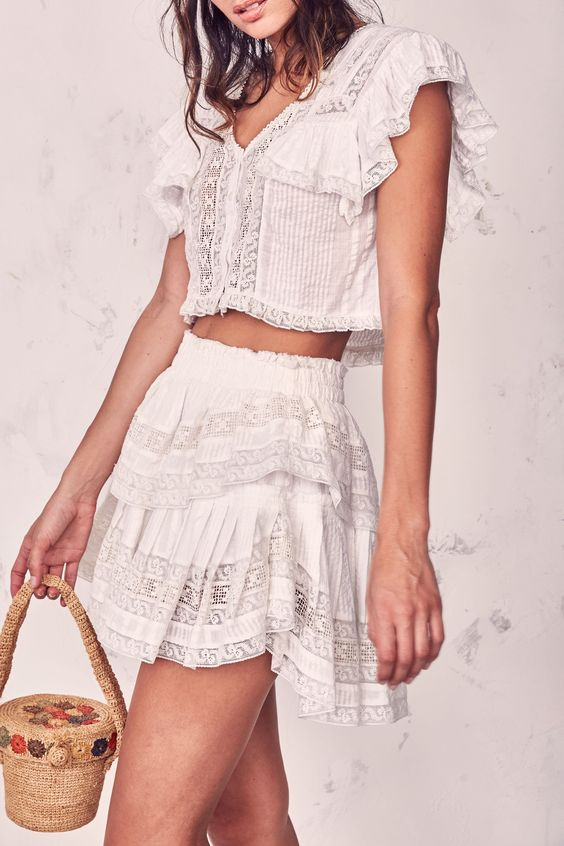 42 Summer Casual Skirts That Will Make You Look Great outfit fashion casualoutfit fashiontrends