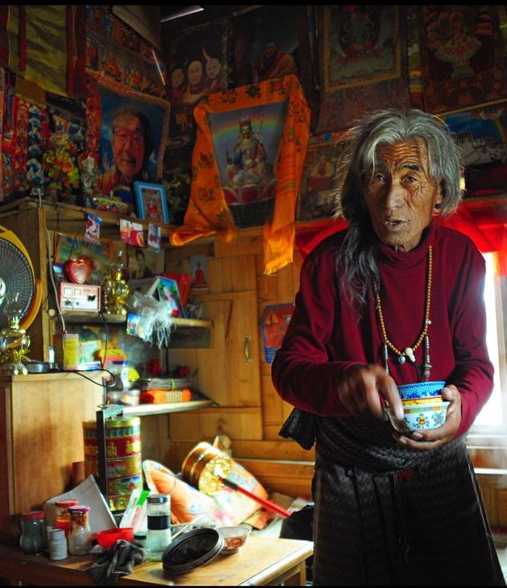 "1,447 Likes, 17 Comments - 🔥🐚༄ཿ Tibetan Portraits (@tibetanportraits) on Instagram: ""☀️🌙⭐️🙏🏾 Do you see it? 📍#Derge (Dege), Kham, TIBET #TibetanElders ""Tea? asks the monk, Tibet 2013…"""