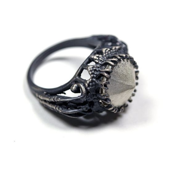 ON SALE belonging to the darkness. sterling silver. ($153) ❤ liked on Polyvore featuring jewelry, rings, accessories, wide rings, sterling silver jewelry, antique sterling silver rings, antique sterling silver jewelry and pyramid rings