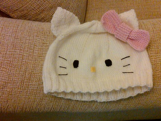 Knitting Pattern For Kitty Hat : hello kitty knit hat (pattern free) - Im thinkin youre ...