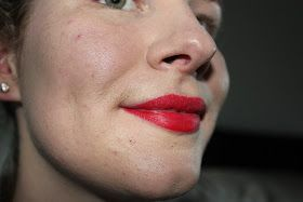 Tegania's Thoughts: How to make red lipstick last longer (tutorial)