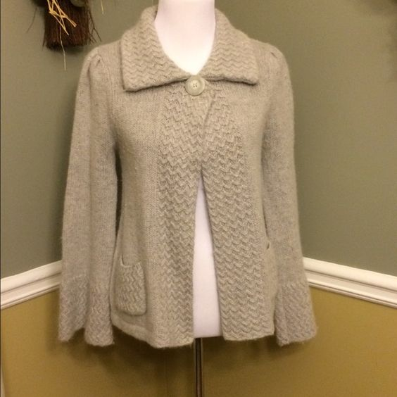 Lambs Wool/Angora Sweater Beautiful, elegant & super soft grey sweater that has 20% lambswool & 10% angora rabbit hair. (See 3rd pic for complete materials) The sleeves are wider with a bell like look to them. ❌ NO TRADES or HOLDS but open to REASONABLE offers! Thanks! Willi Smith Sweaters Shrugs & Ponchos