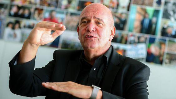 Rüsten für Wegfall von Jobs: VW-Betriebsratschef fordert Umdenken