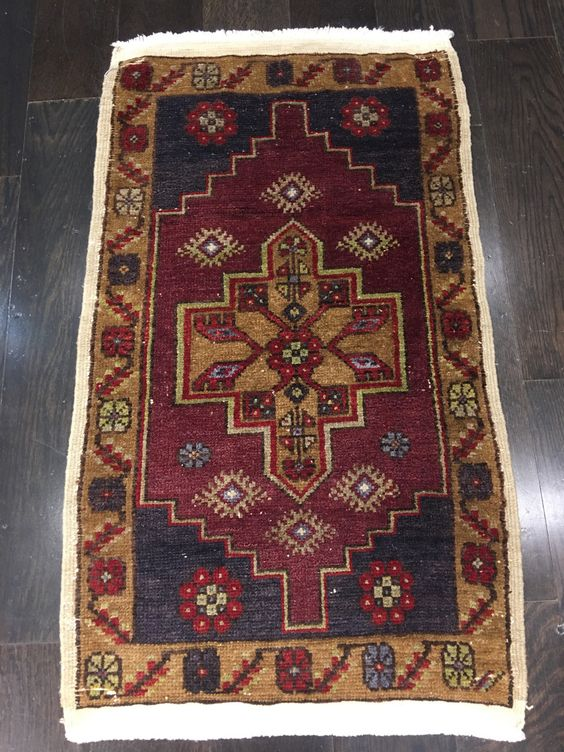 """LITTLE QUEEN"" 1'8""X2'11"" SMALL TURKISH ANATOLIAN RUG"