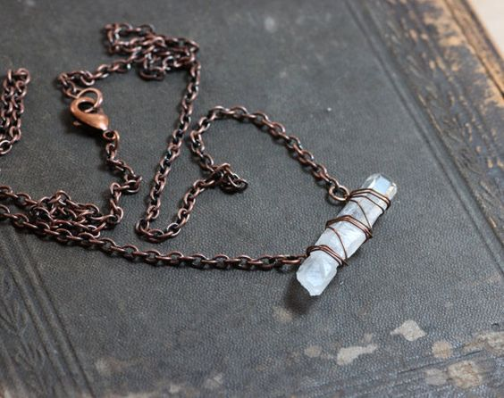 Hey, I found this really awesome Etsy listing at https://www.etsy.com/listing/160620279/quartz-point-necklace-big-raw-quartz