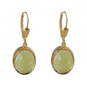 """Die apfelgrünen Ohringe aus der """"Schlicht und Edel""""-Kollektion von Mas Belleza sind ein elegantes Schmuckstück. Die schlichten 925er Sterlingsilberbrisuren sind hochwertig vergoldet und garantieren ein sehr langes Tragevergnügen."""