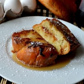 Crispy and sweet french toast stuffed with the most delicious caramel.