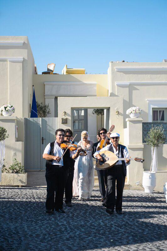 Greek orthodox wedding in Santorin - La Maltese - wedding Planer www.prime-Moments.com