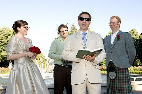 Funny Readings For Weddings: Funny Wedding Readings That'll Make You Laugh AND Cry