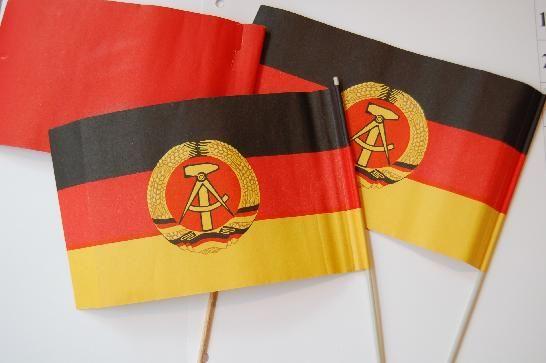 """DDR Museum - Museum: Objektdatenbank - Papierfahnen """"Winkelemente""""    Copyright: DDR Museum, Berlin. Eine kommerzielle Nutzung des Bildes ist nicht erlaubt, but feel free to repin it!"""