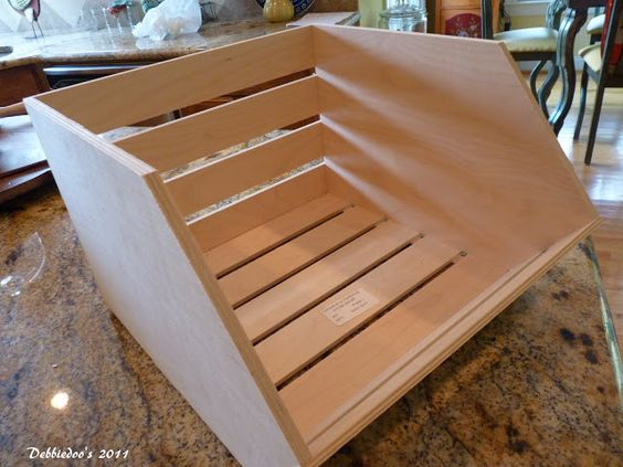 Wood Pallet Fall craft on the cheap! - Debbiedoos
