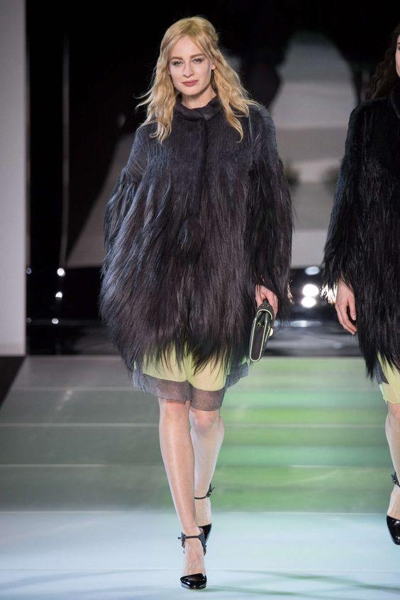 Giorgio Armani Automne/Hiver 2014, Womenswear - Défilés (#17985)