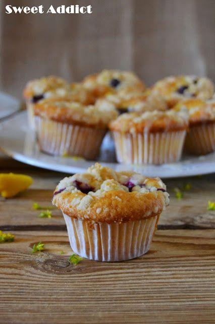 Muffins de arandanos y limon: http://www.sweetaddict.es/2015/05/muffins-de-arandanos-y-limon.html