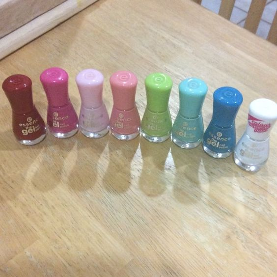 Essence gel nail polish collection Never before used, 7 polished and base coat, no lamp required! Other