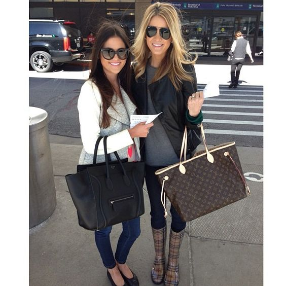 Rachel Parcell And Sister Emily Jackson Stylish Pretty