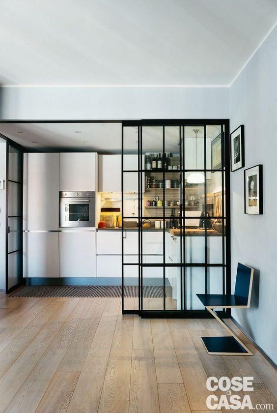 95 mq con una soluzione originale per separare la cucina e ...