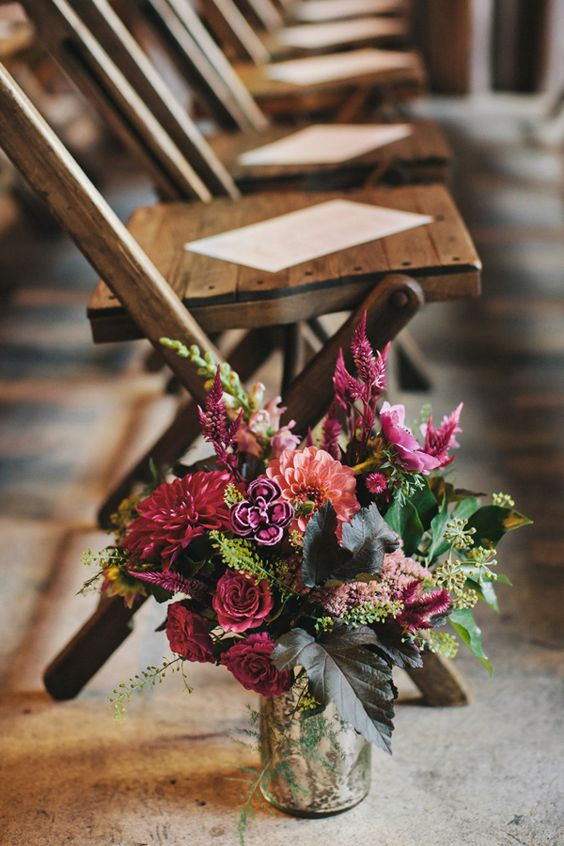 Autumn wedding flowers #weddingceremony fabmood.com