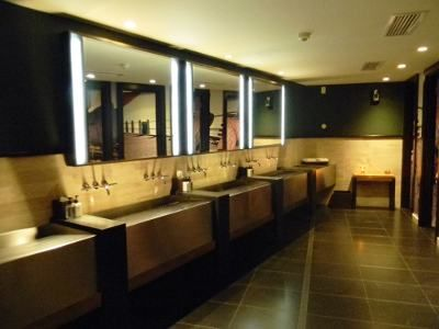 Restroom design restaurant and the o 39 jays on pinterest for Bathroom design restaurant