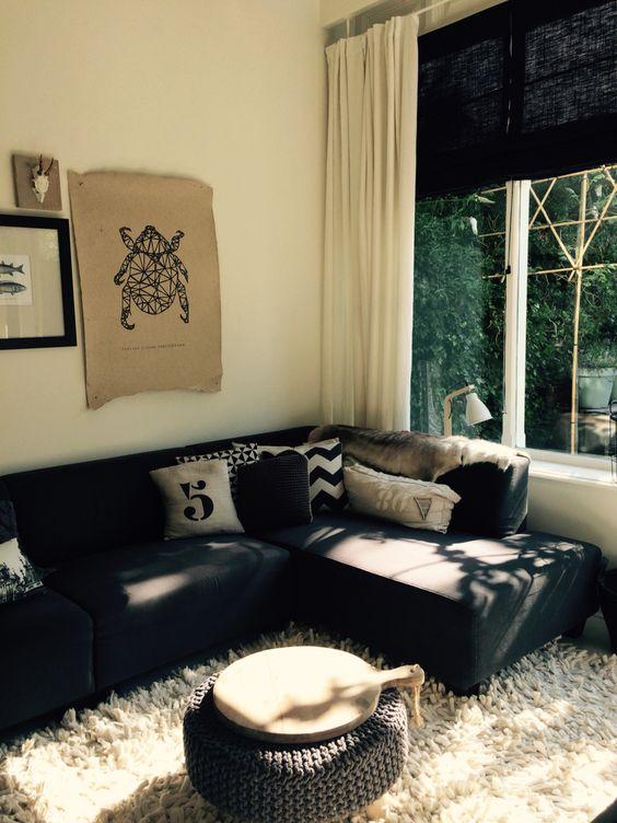 Painting the Past, landelijk, grijs, steigerhout, stoer, vergrijsd, witte vloer, houten kroonluchter, loods 5, Naco, oude luiken, ornamenten plafond, plus, openslaande deuren, en-suite