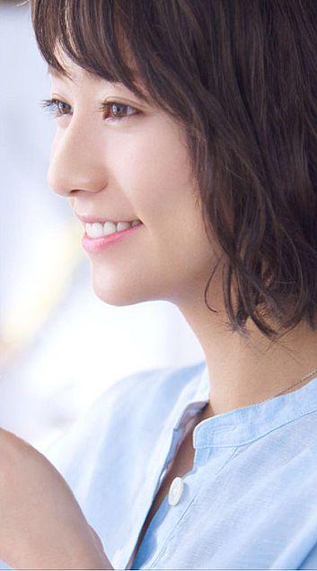 横向き笑顔の木村文乃