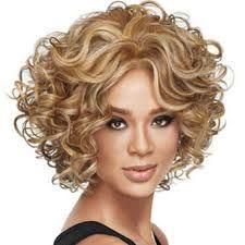 Znalezione obrazy dla zapytania krótkie fryzury naturalne kręcone włosy