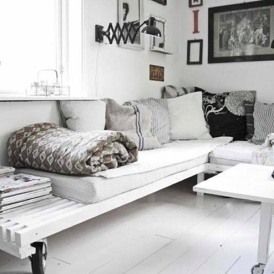 Design Your Own Corner Sofa Bed: White Room And Diy Sofa/daybed