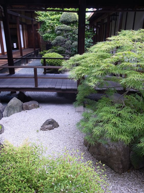 Japanese garden i love this it is simple and yet elegant for Easy japanese garden