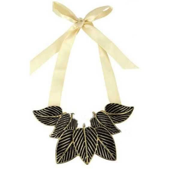 Black Leaves Scalable Tie Necklace ($14) ❤ liked on Polyvore